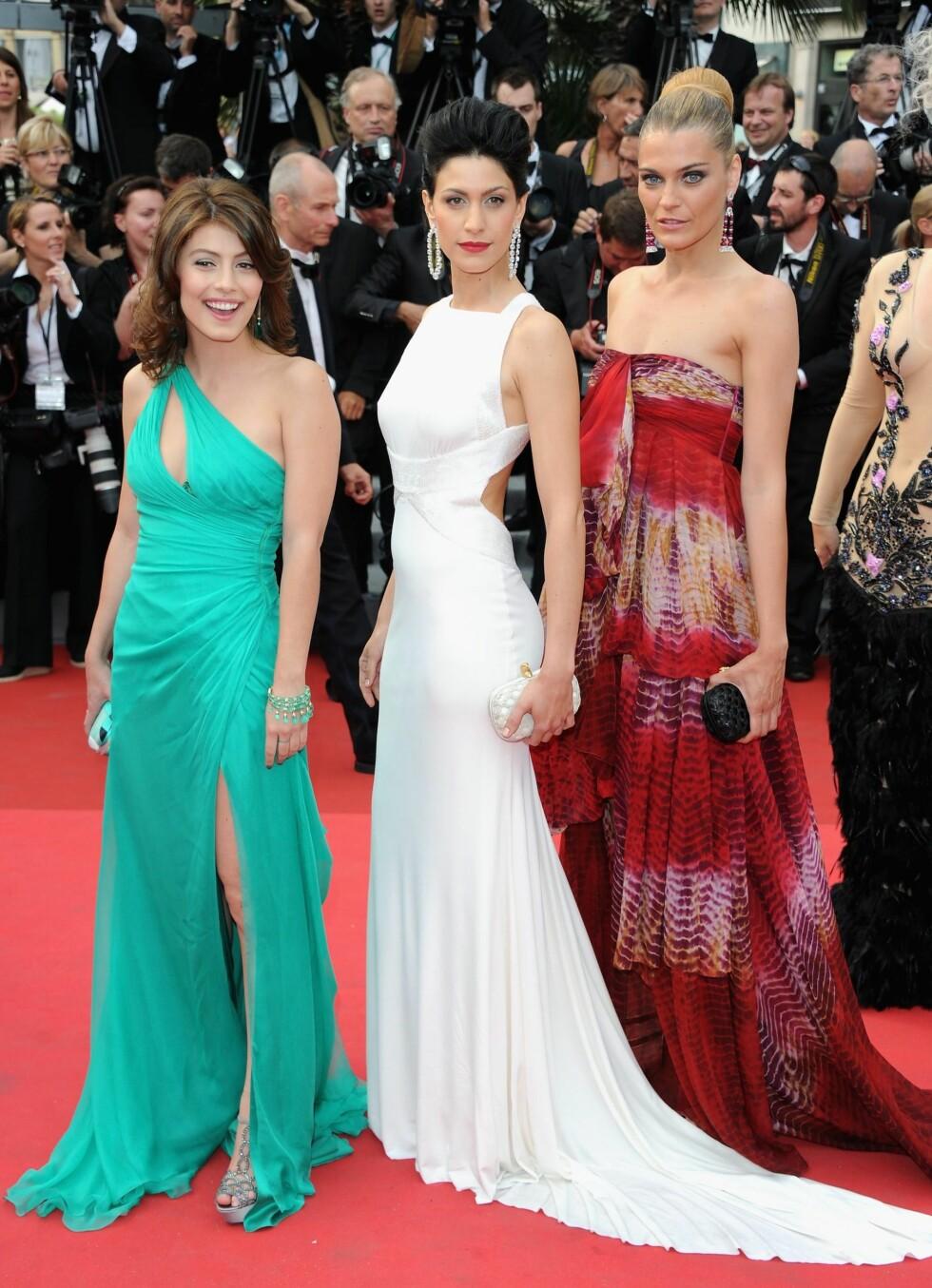 Dundas er også et hett navn blant italienere. Skuespillerne Alessandra Mastronardi, Giulia Bevilacqua and Claudia Zanella på premieren av Midnight In Paris i Cannes. Alle i Pucci. Foto: All Over Press