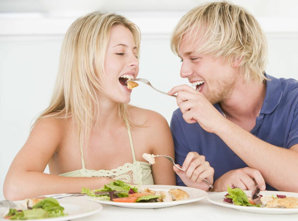 Du spiser kanskje bare feil. Verking i ledd og dårlig hukommelse kan bøtes på ved hjelp av riktig mat. Foto: Panther Media