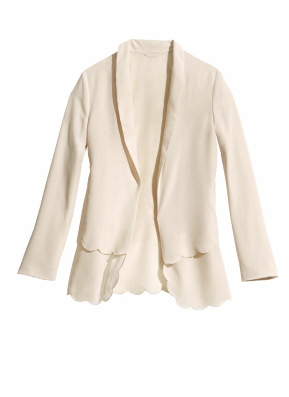 Feminin pudderrosa blazer (kr.399). Foto: H&M