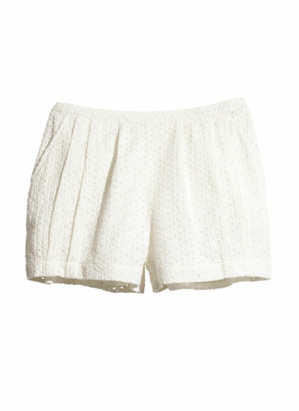 Hvit shorts (kr.149). Foto: H&M
