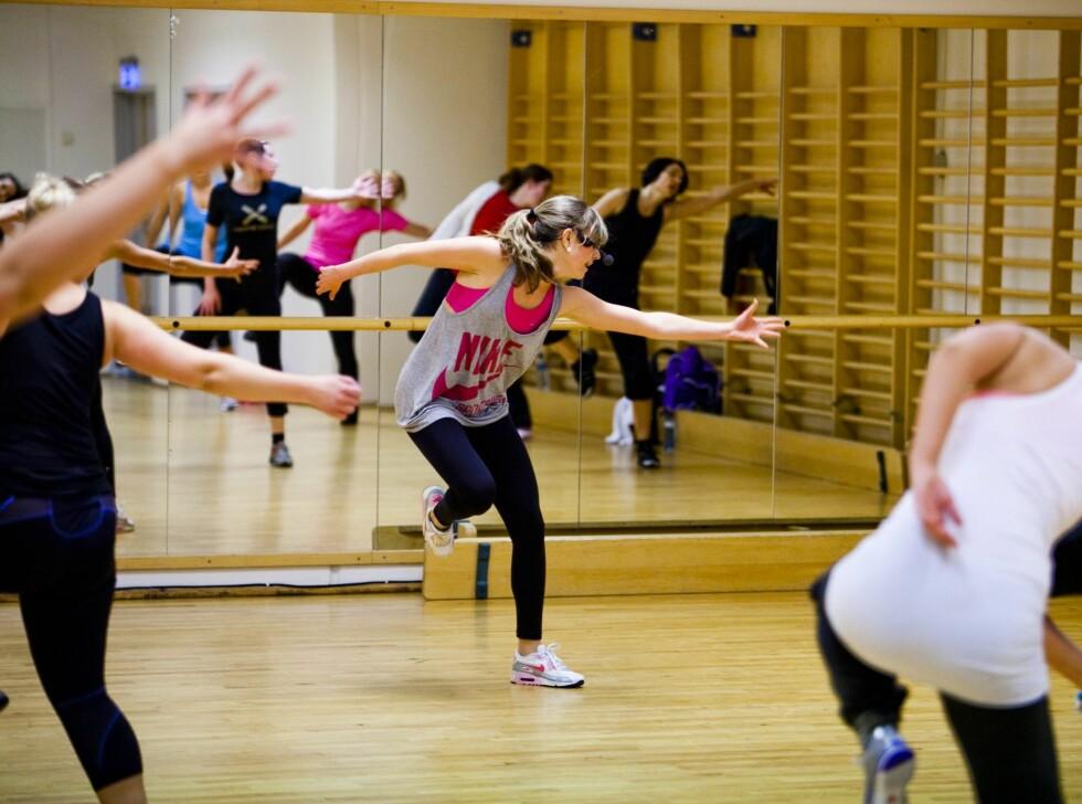 <strong>UTROLIG MORSOMT:</strong> KK.no testet Zumba på Treningshuset i Oslo, og ble overrasket over hvor utrolig morsom og slitsom denne dansetimen egentlig er. Her er instruktør Vilde Berntsen «in action».  Foto: Per Ervland