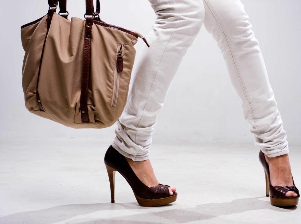DRIKK MASSE VANN: Hvis du er tissetrengt på shoppingturen forbedres dømmekraften din og du styrer unna bomkjøpene, viser en ny undersøkelse fra Nederland. Foto: Colurbox.com