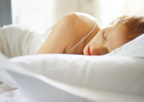 Å få nok søvn kan hindre deg i å gå opp i vekt.  Foto: Colourbox