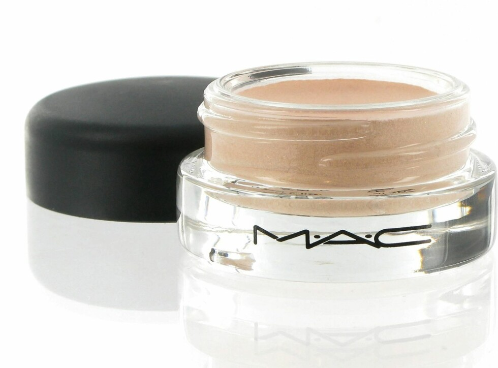 MAC Paint Pot i Bare Study er også en nude kremskygge, kr 160. Foto: Produsenten