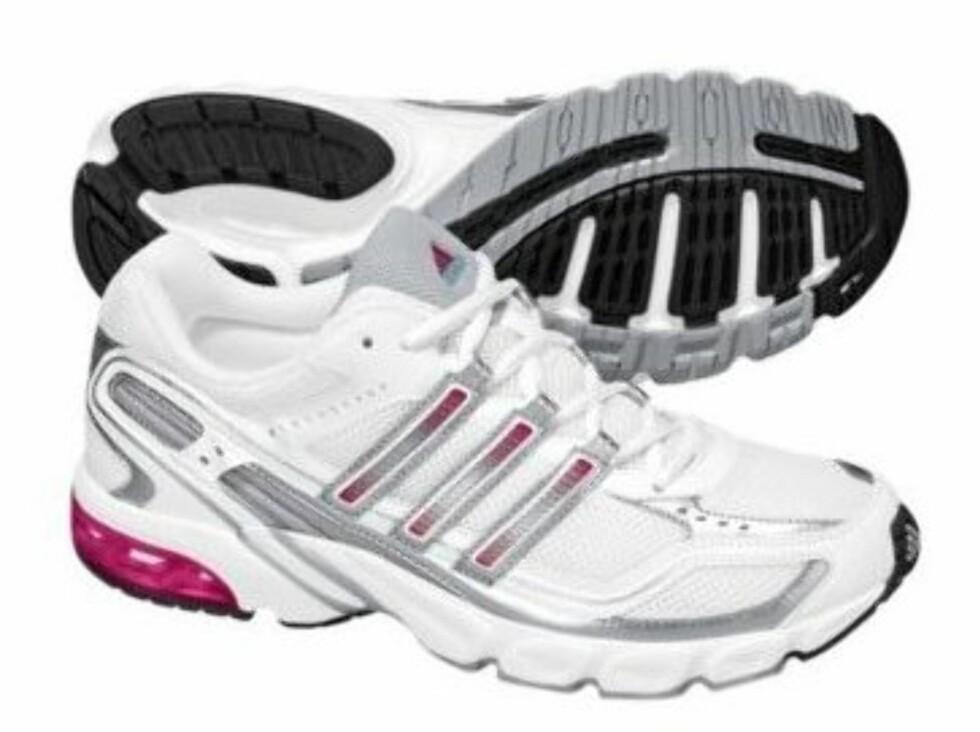 Feminine og enkle fra Adidas (kr.499/Intersport). Foto: Produsenten
