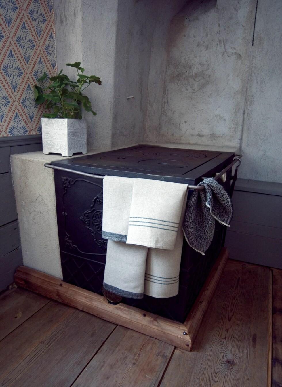 Også på kjøkkenet er lin velegnet, båd til pynt og til bruk. Foto: Väksbo Lin