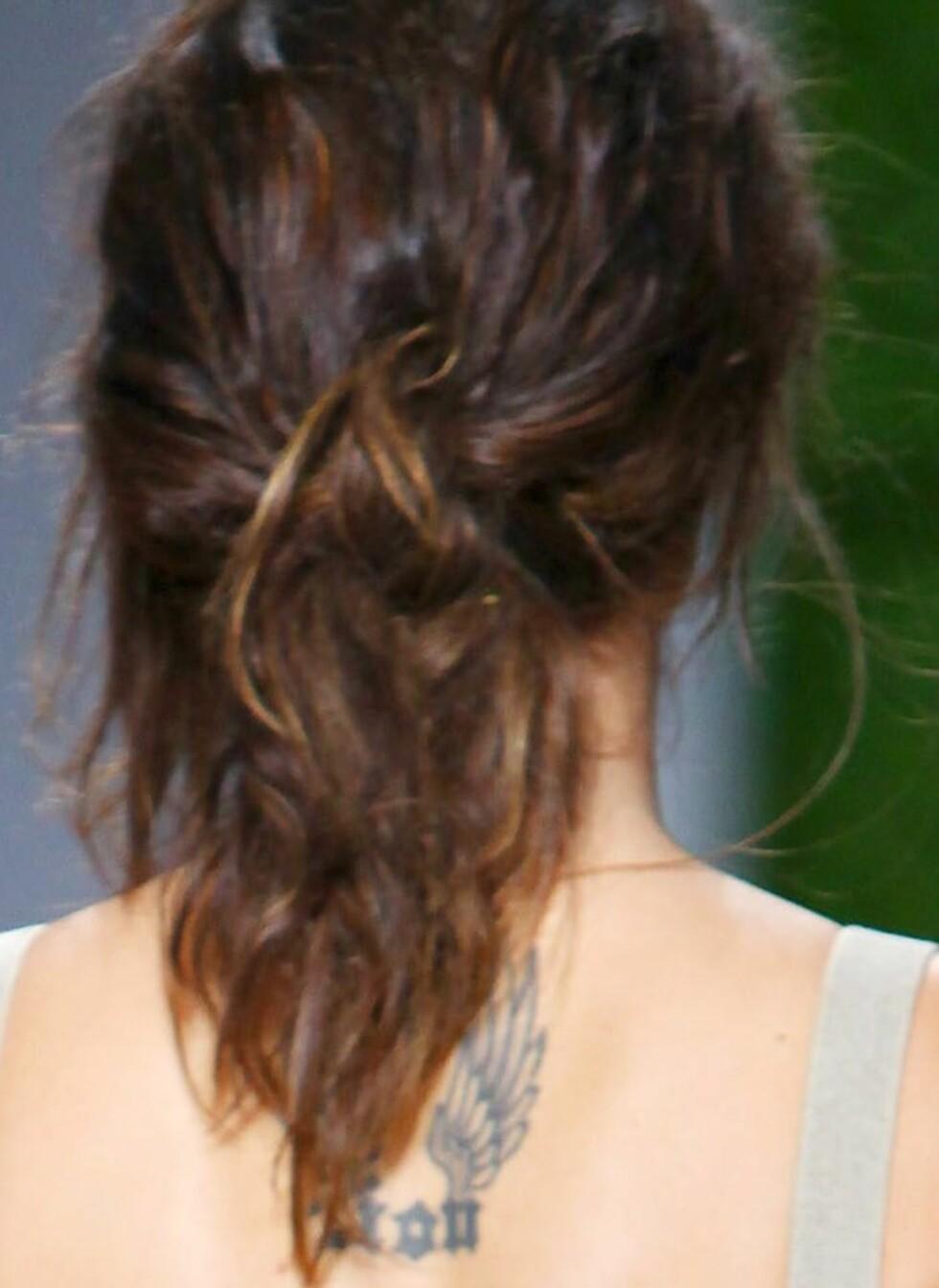 Litt saltvannspray i håret først, gir deg de riktige bølgene. Foto: All Over Press