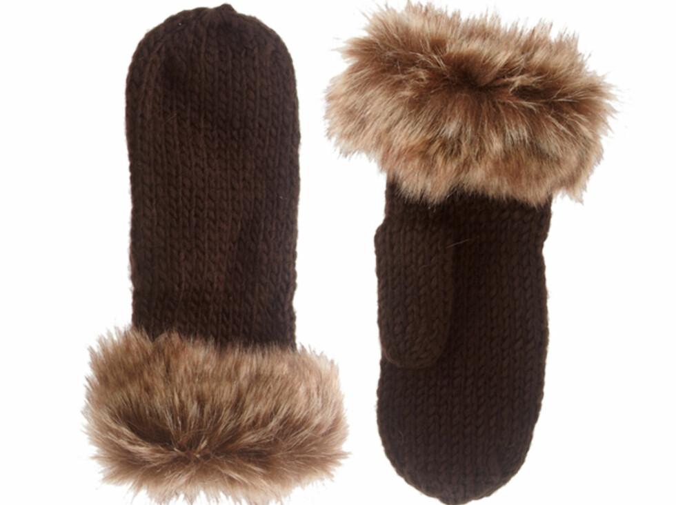 I strikk med fuskepels (cirka kr 140, Asos.com).