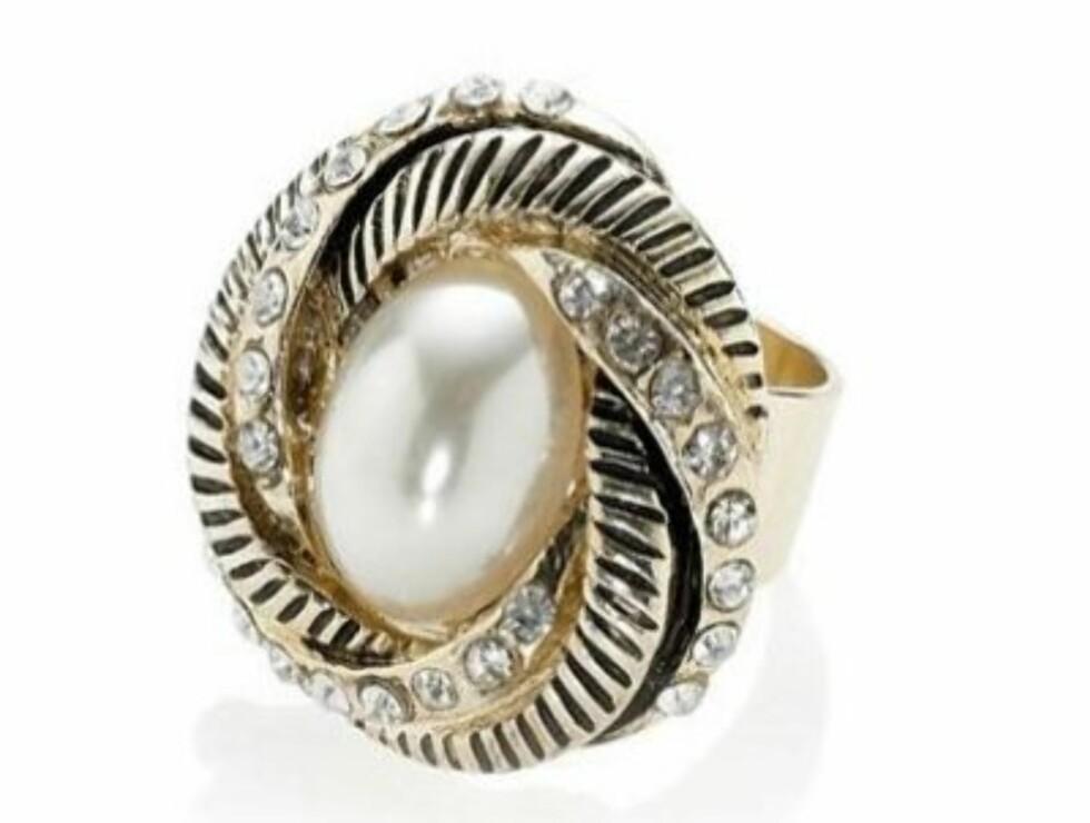 Klassisk ring (kr.105/Accessorize). Foto: Produsenten