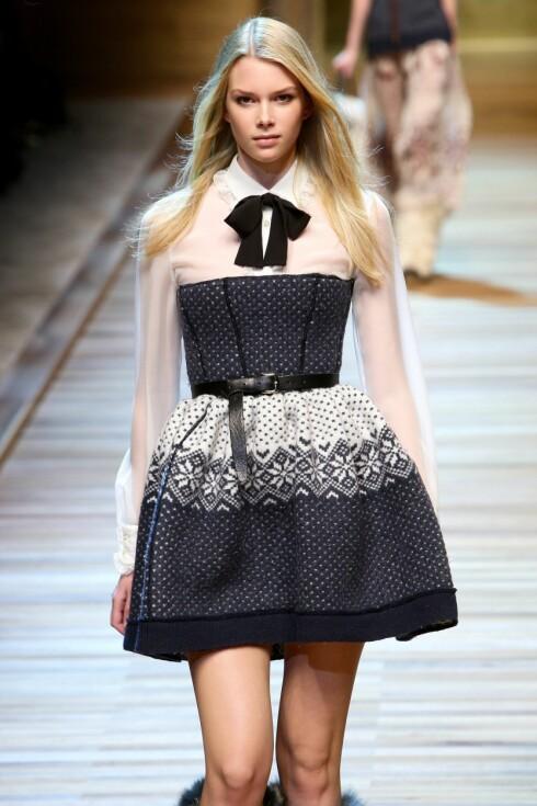 <strong>TRYLL FRAM SEXY KJOLER:</strong> La deg inspirere av D&G og sy om gamle gensere til snuppete kjoler og bluser.  Foto: All Over PressAll Over Press