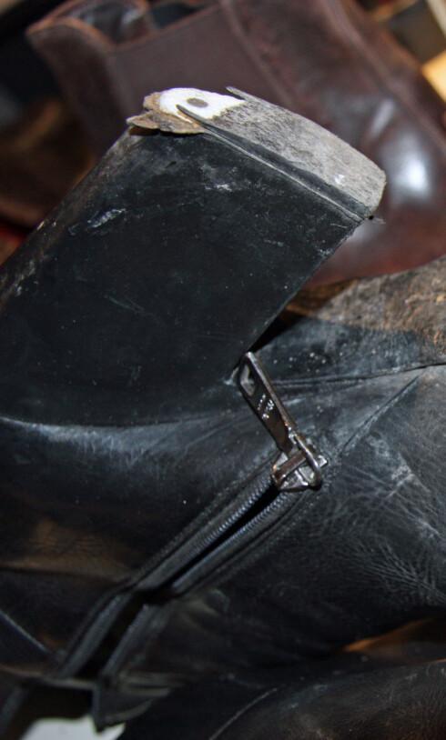 HÆLFLIKK: Når hælen ser slik ut, da er det gått for langt. Bytt ut hælflikkene i god tid. Foto: Tone Ra Pedersen