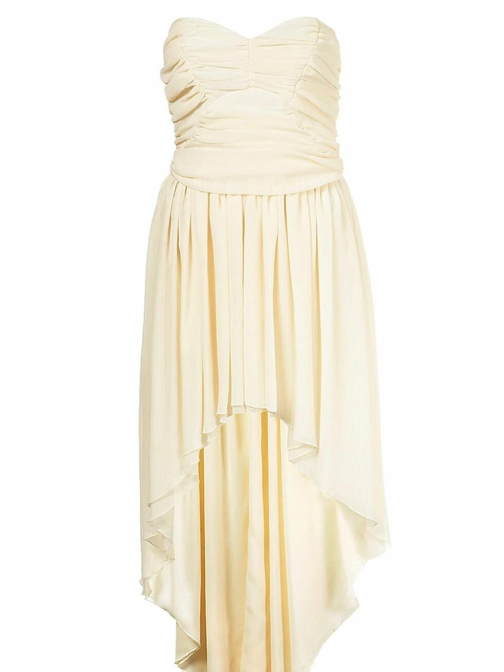 Stroppeløs kjole (ca kr 600, Topshop).