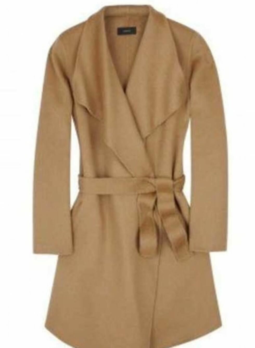 Deilig og dyr kasjmirfrakk. Kombiner med smale jeans og høstens trendy skoletter (ca kr 5550, Joseph/My-wardrobe). Et rimelig alternativ til denne er en trench coat i samme farge.