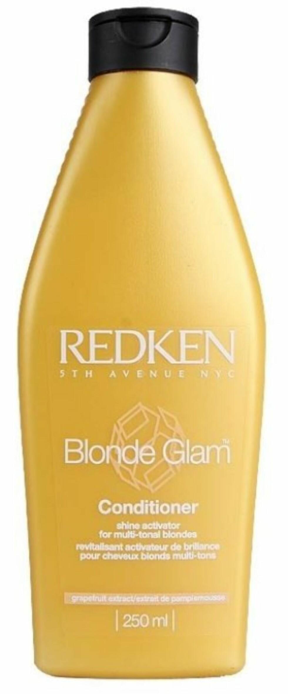 Redken Blonde Glam Conditioner er en glansaktiverende balsam spesielt for blondt hår, ca. kr 189. Foto: Produsenten