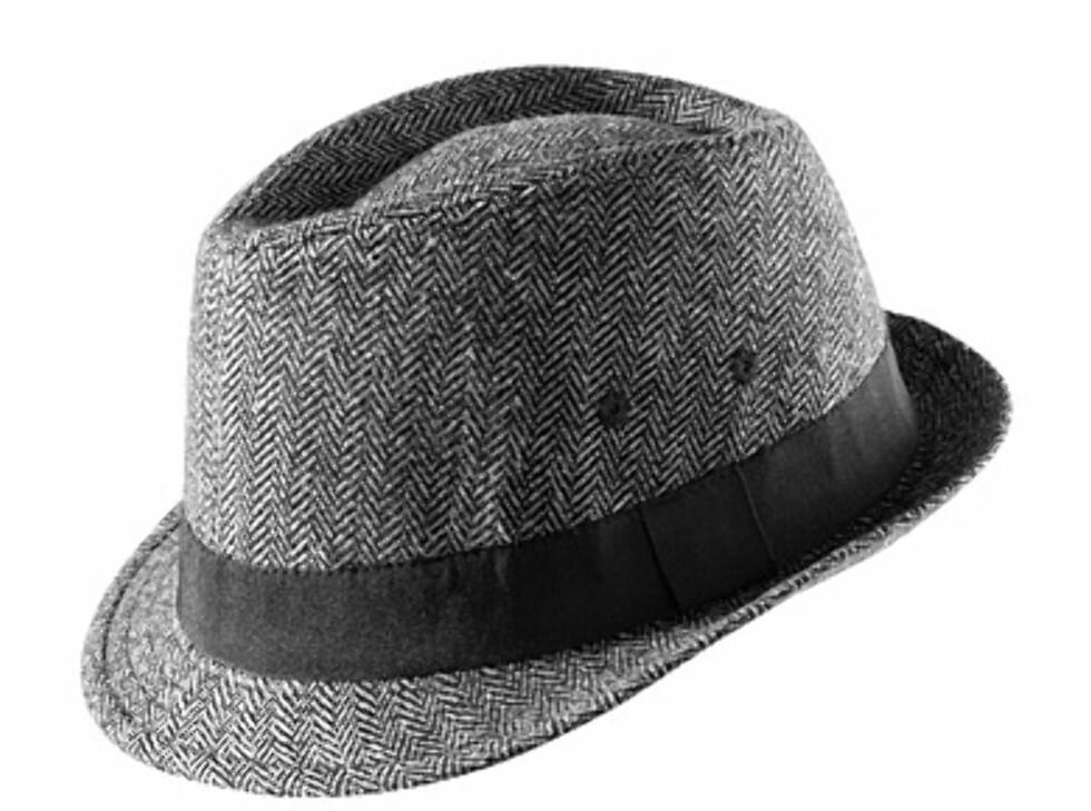 Fedora i grå tweed (kr.69,50/H&M). Foto: hm.no