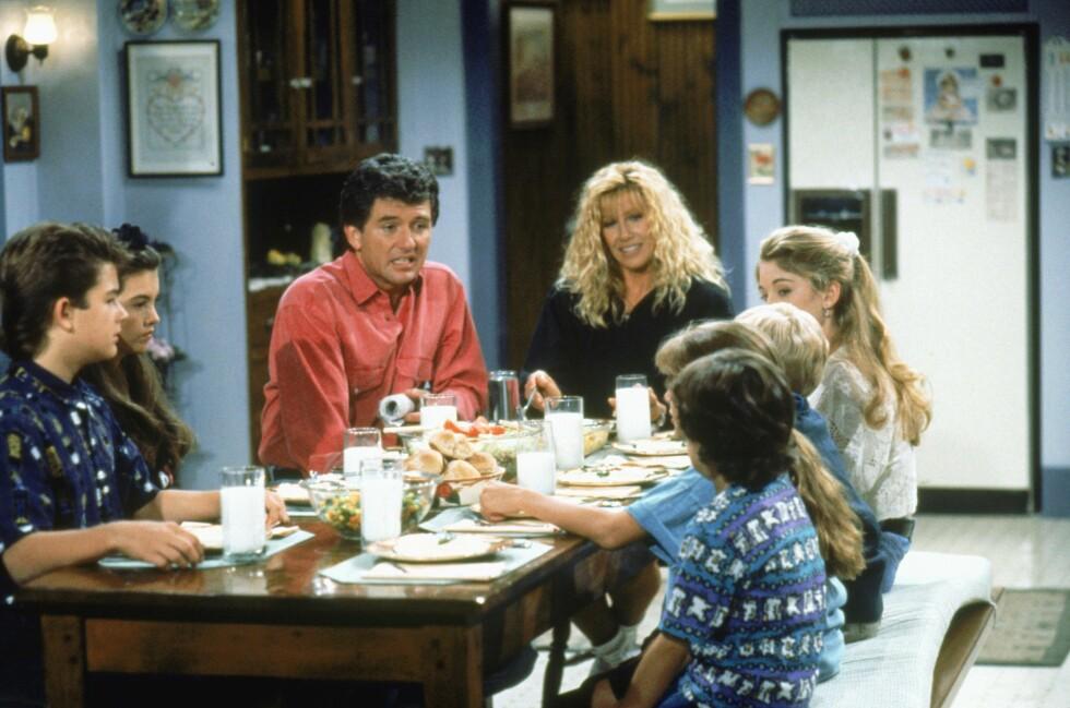 GO' STEMNING: Samtalene rundt middagsbordet var både morsomme og alvorlige hos familien Foster/Lambert.  Foto: TV 2