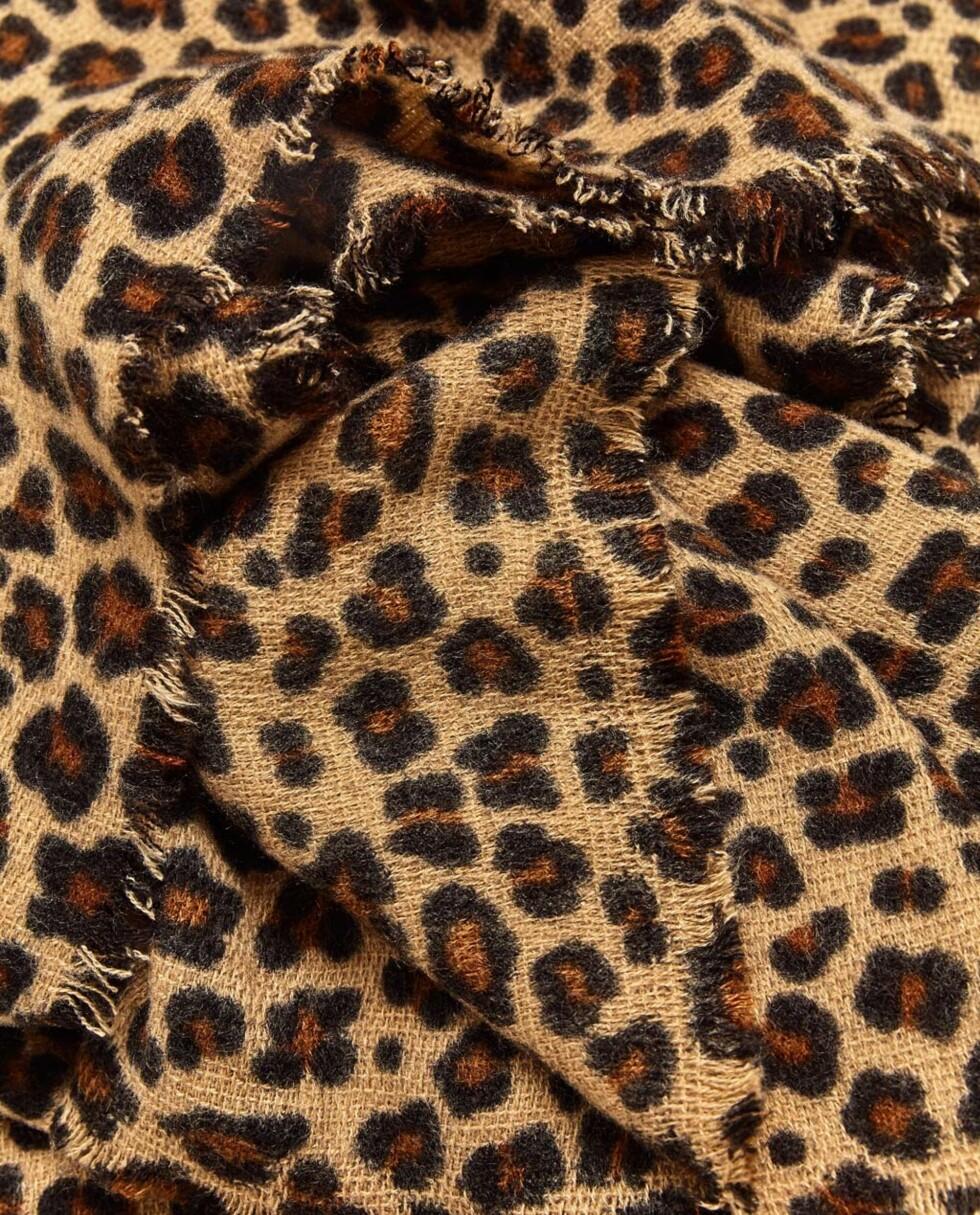 Skjerf fra Zara | kr 189 | http://www.zara.com/no/no/dame/accessories/t%C3%B8rkler/mykt-t%C3%B8rkle-med-leopardm%C3%B8nster-c271013p3975016.html