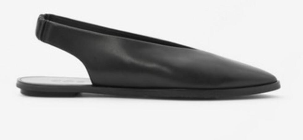 Sko fra Cos, ca. 900. | | http://www.cosstores.com/fr/Women/Shoes/Slingback_sandals/46897-48531543.1#c-22755