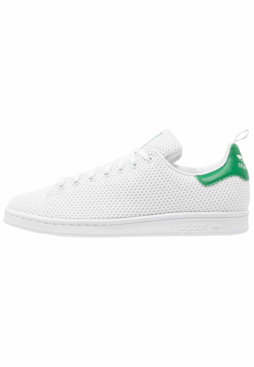 Stan Smith-sneakers fra Adidas med grønn detalj bak via Zalando.no | kr 949 | pn.zalando.net/go.cgi?pid=1173&wmid=cc&cpid=12&target=http://www.zalando.no/adidas-originals-joggesko-white-green-ad112b0ht-a11.html