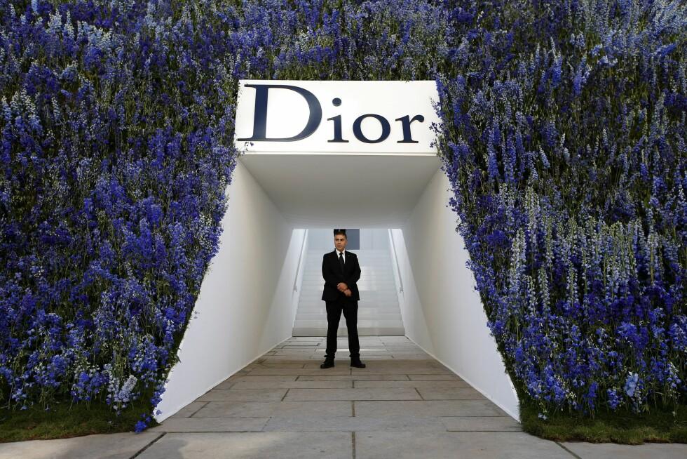 <strong>DIOR:</strong> Slik så inngangspartiet ut til Diors visning for vår/sommer 2016. Foto: Epa