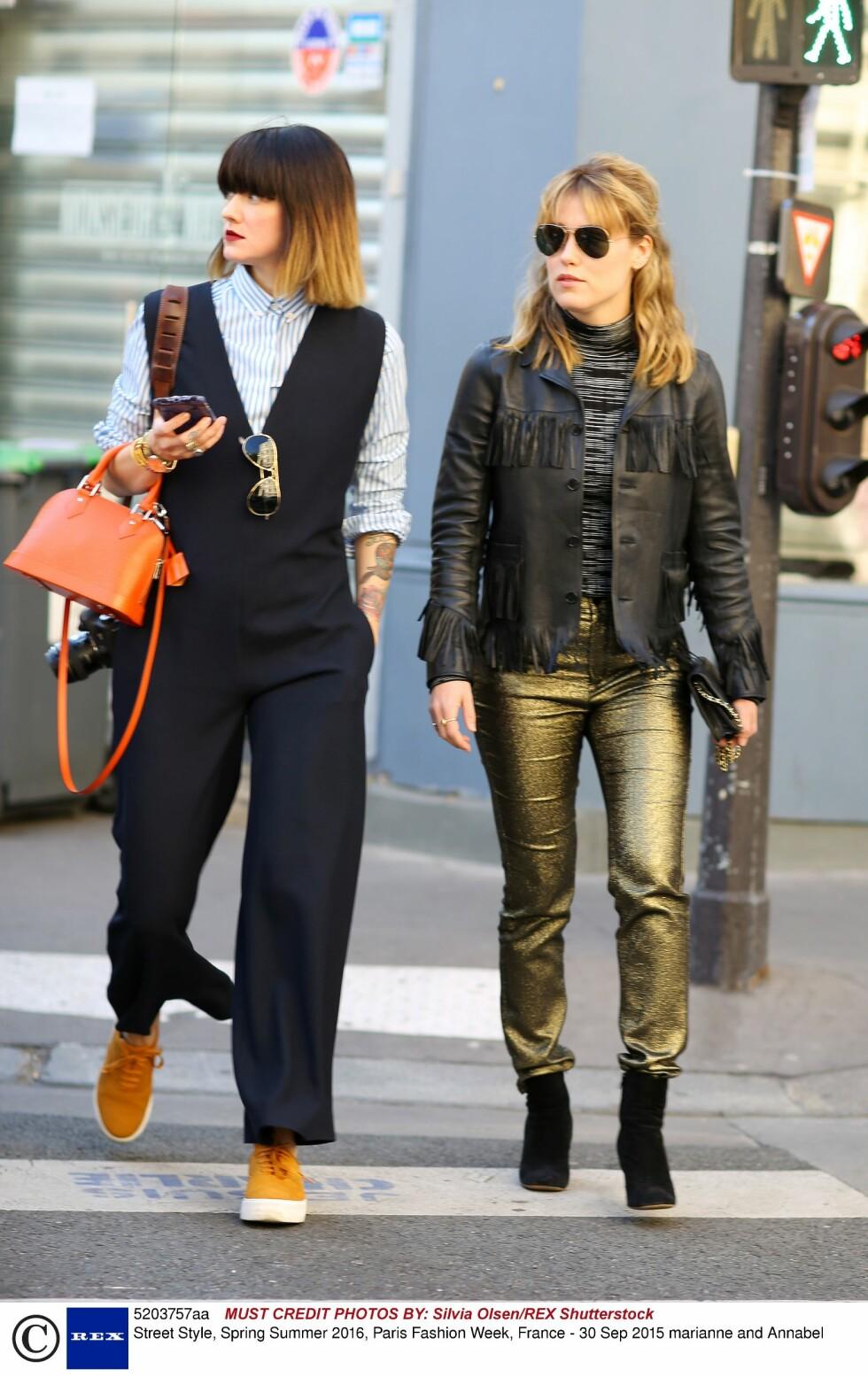 PARIS: Norske Marianne Theodorsen og Annabel Rosendahl. Foto: Rex Features