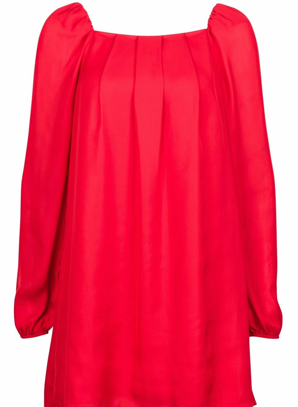 299 KRONER: Samme kjole i knallrødt.  Foto: Produsenten