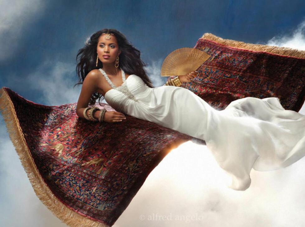 JASMIN: Halterneckkjolen ,som er inspirert av Jasmin fra Aladdin, er en av de mer eksotiste variantene. Foto: Alfred Angelo.com