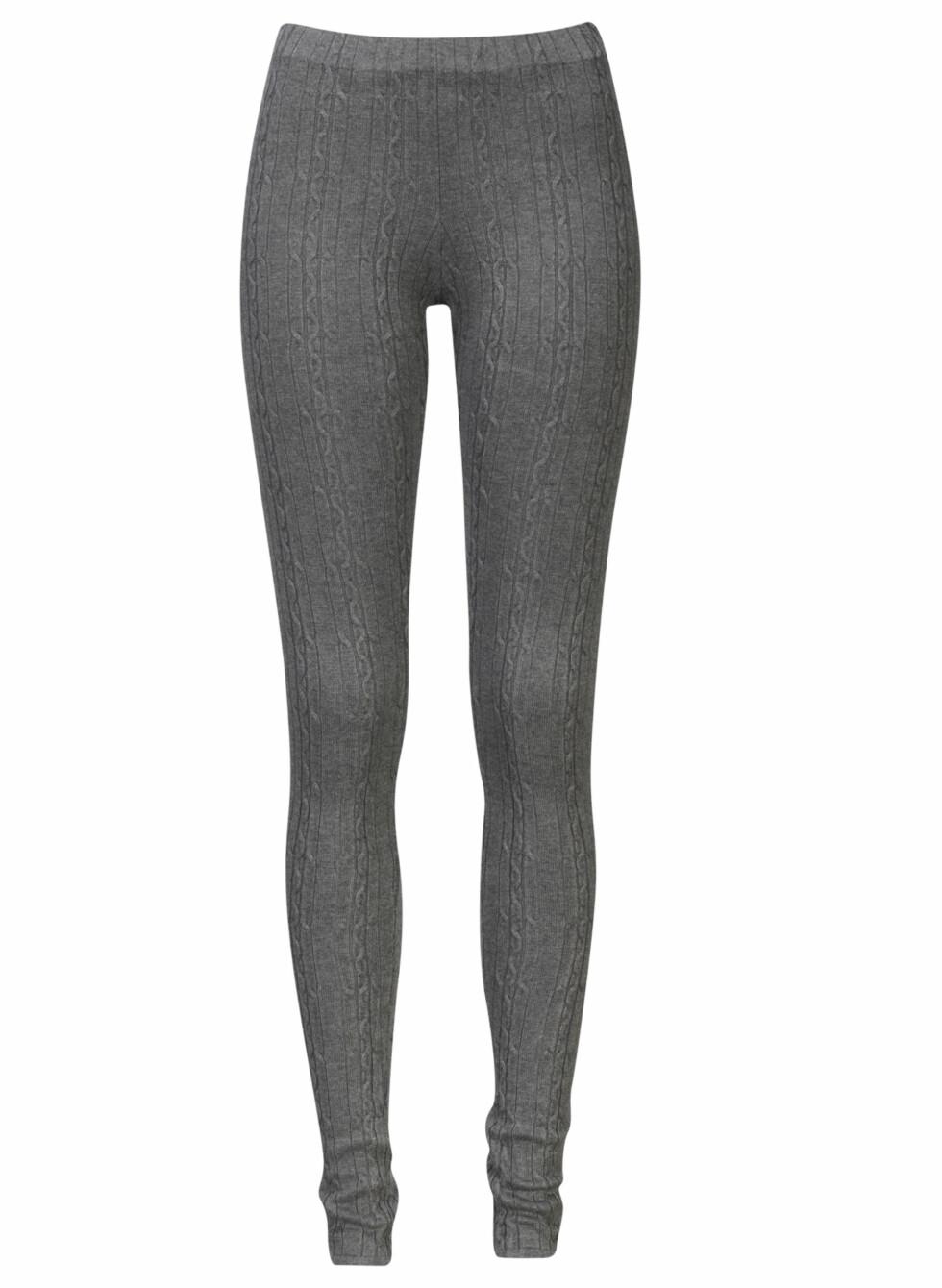 Ribbestrikket leggings (kr.249). Foto: Produsenten