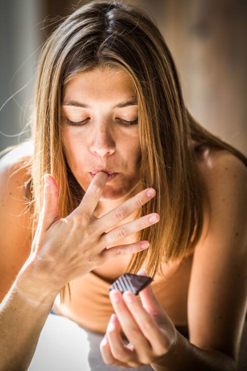 GODTEMOMS: 8 prosent spiser godteri hver dag. Foto: All Over Press