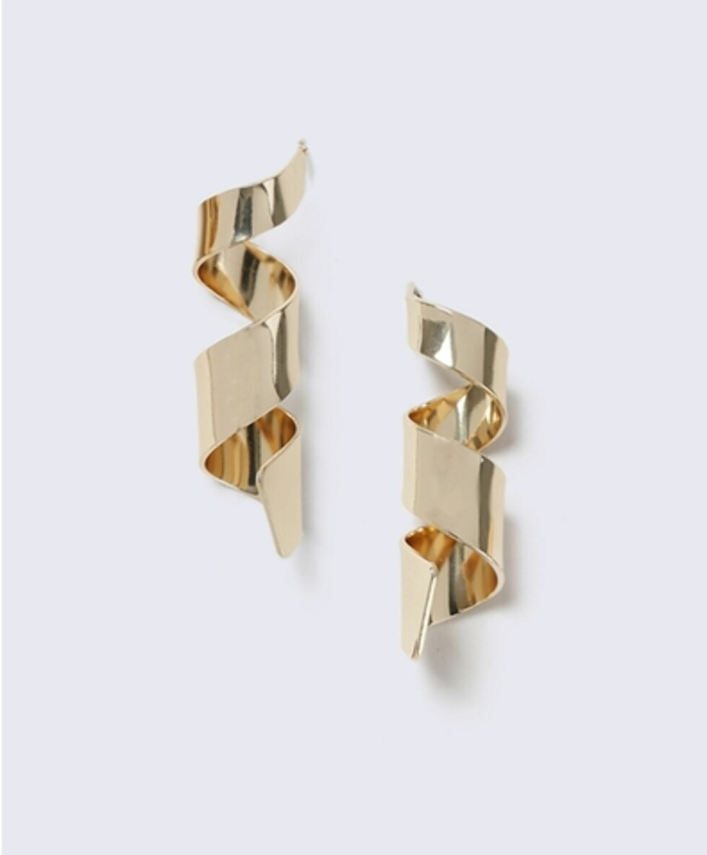 Øredobber fra Gina Tricot | kr 89 | http://www.ginatricot.com/cno/no/kolleksjon/tilbehor/smykker/orepynt/sculptural-swirl-earrings/prod503182758528.html