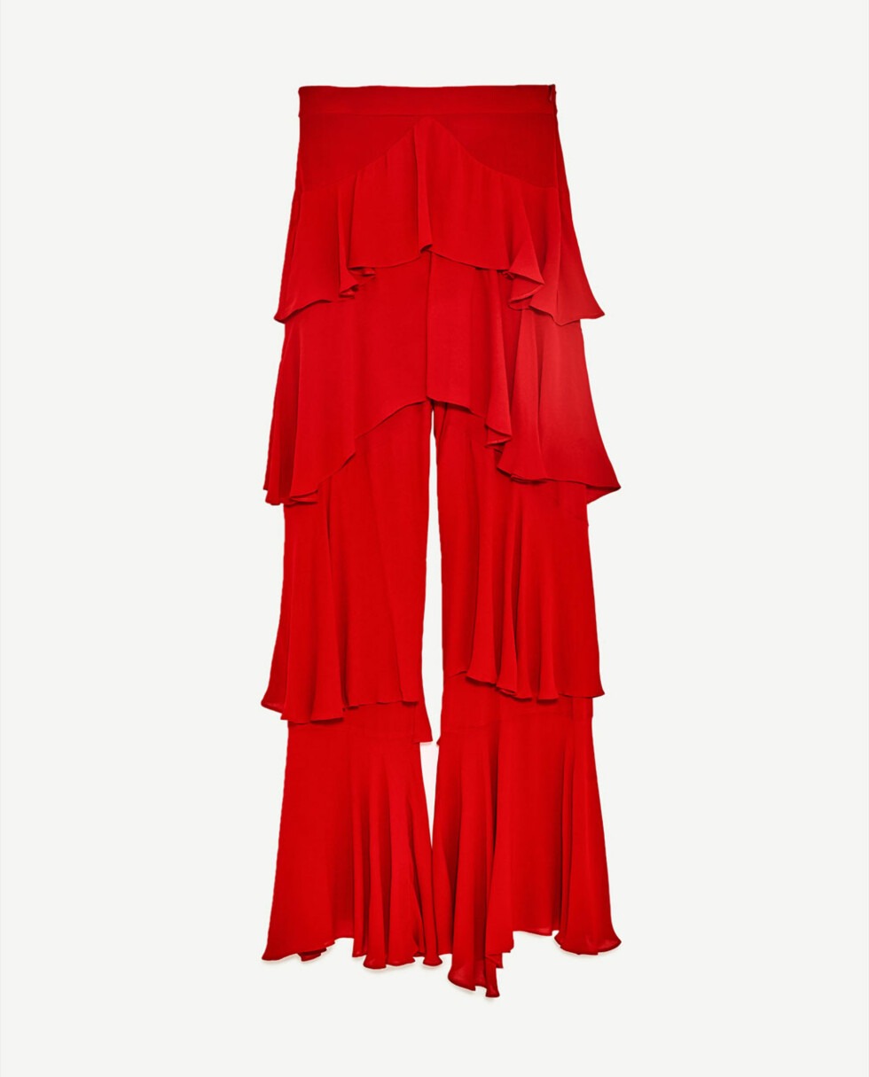 Bukse fra Zara | kr 599 | https://www.zara.com/no/no/dame/bukser/volang-/bukse-med-volanger-c401021p4481034.html