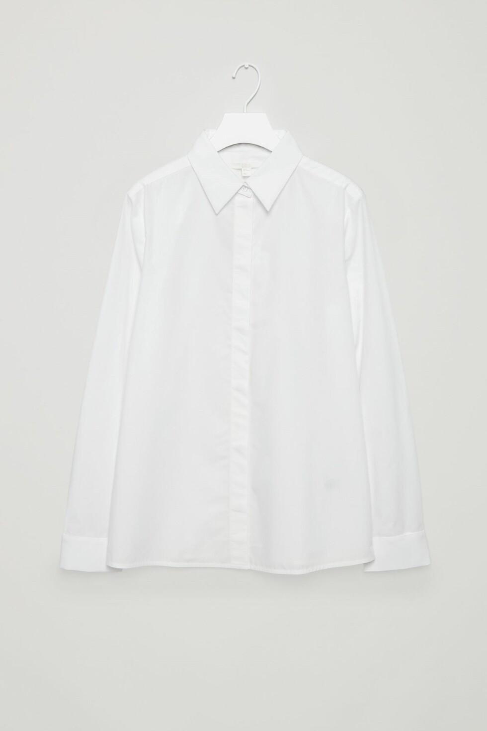 Skjorte fra COS | kr 700 | http://www.cosstores.com/gb/Women/Shirts/Detachable_cuffs_and_collar_shirt/10898847-72737073.1#c-24479