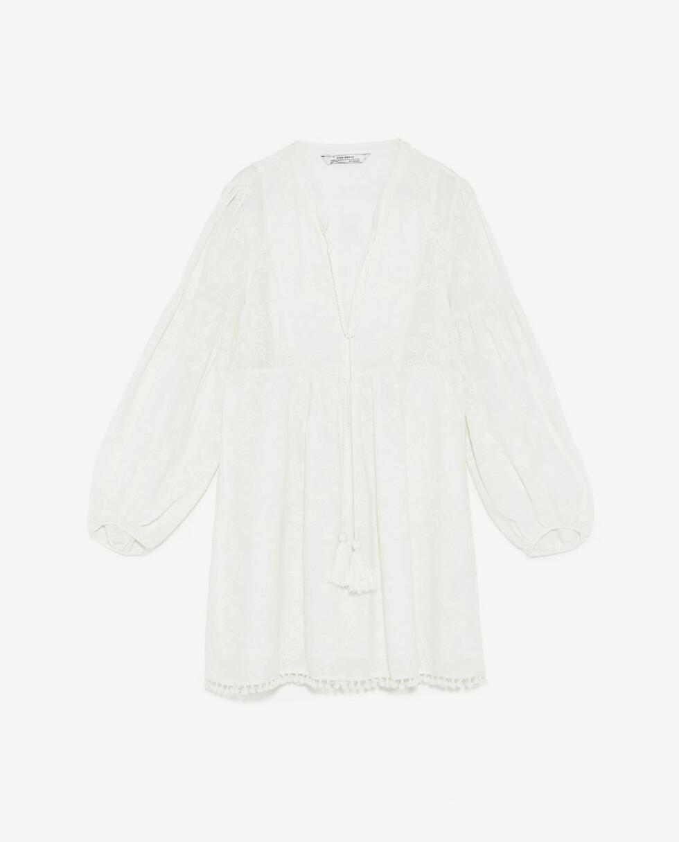 Kjole fra Zara   kr 499   https://www.zara.com/no/no/dame/kjoler/se-alle/kjole-med-broderier-i-matchende-farge-c719020p4668530.html