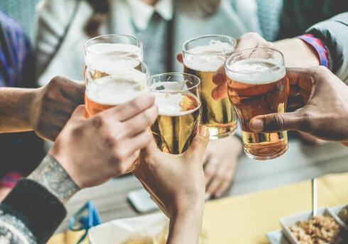 IKKE BARE ALKOHOL: Fettlever forbindes gjerne med alkohol, men du kan få fettlever uten å drikke alkohol også.  Foto: Scanpix