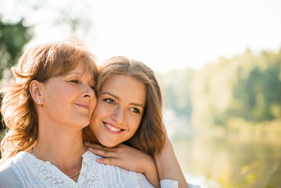MOR OG BARN: elisabeth Meyer Lugg minner om at du ikke slutter å være viktig for barna dine fordi de er blitt voksne.  Foto: Scanpix
