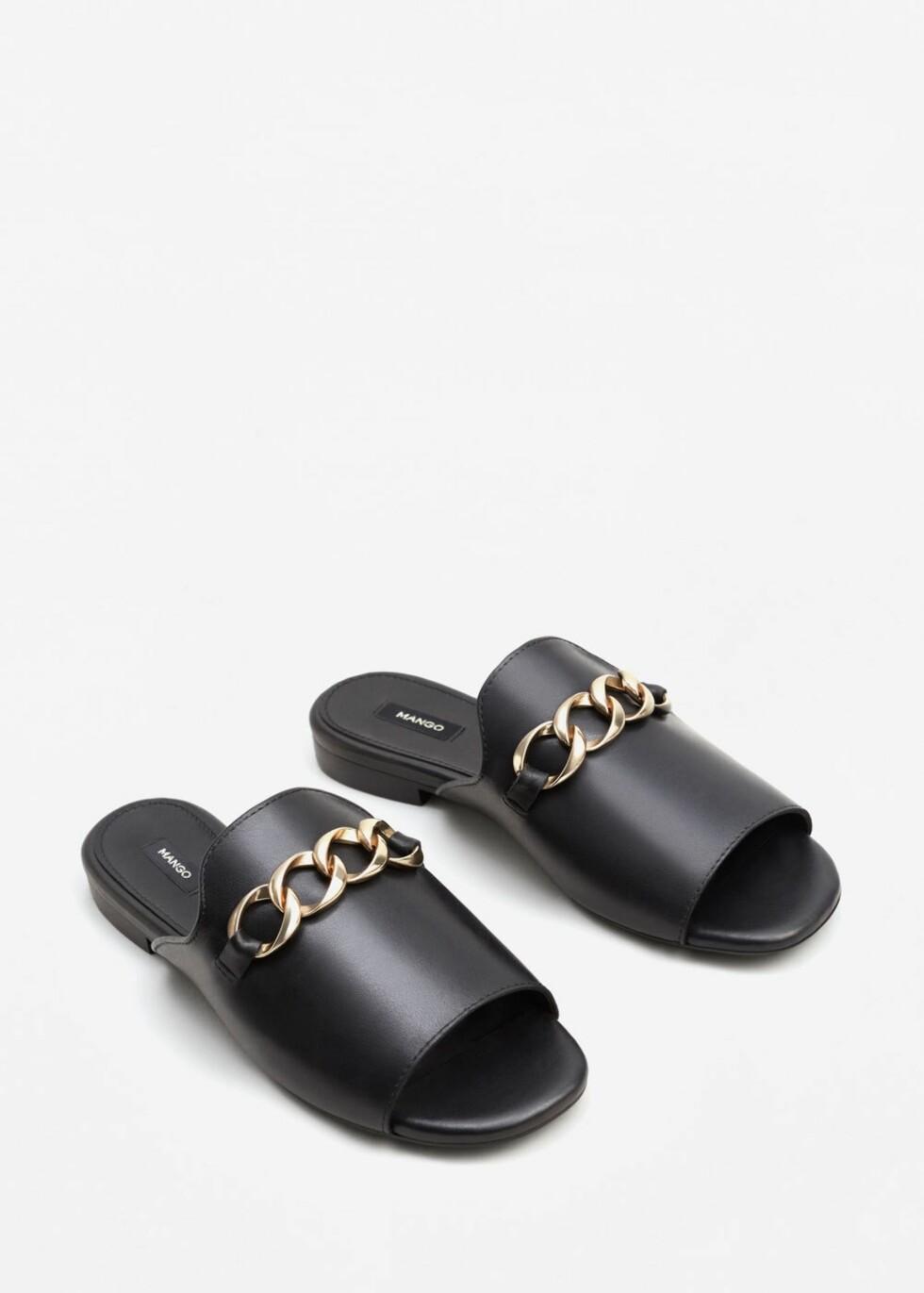 Sandaler fra Mango | kr 499 | http://shop.mango.com/NO/p1/damer/tilbeh%C3%B8r/sko/flate-sandaler/skinnsandaler-med-metallringer?id=83093608_99&n=1&s=accesorios.zapatos&ts=1496053539526