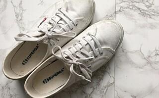 Bruk tannbørsten på de hvite skoene dine