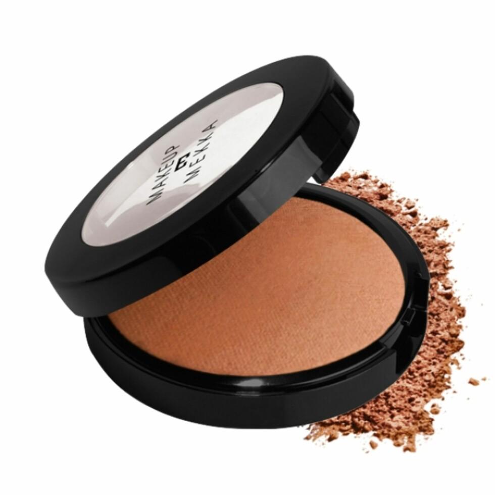 Bronzer fra Makeup Mekka | kr 50 | https://www.makeupmekka.no/final-touch-baked-bronzer---glow.html