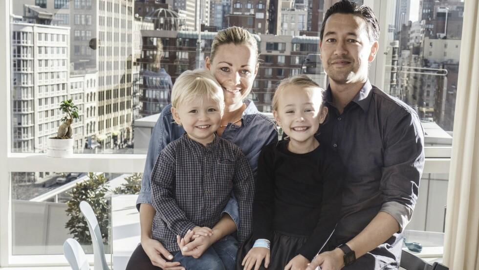 LYKKE: En lykkelig familie i New York: Vitus, mamma Ditte, storesøster Sofia og pappa Kim. Foto: Jonas Vandall