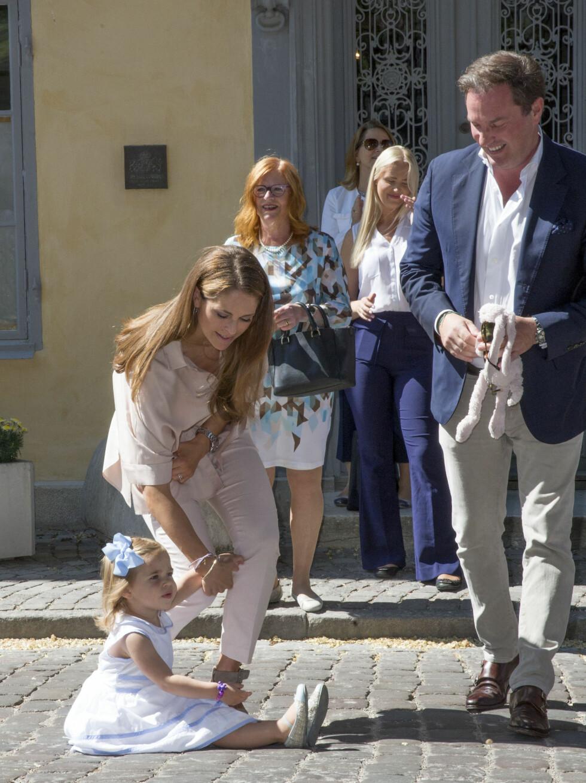 TIME OUT: Mon tro om prinsesse Leonore fikk nok av museumsbesøk med mamma Madeleine og pappa Chris O'Neill i forbindelse med et besøk på Gotland i sommer! Foto: NTB Scanpix
