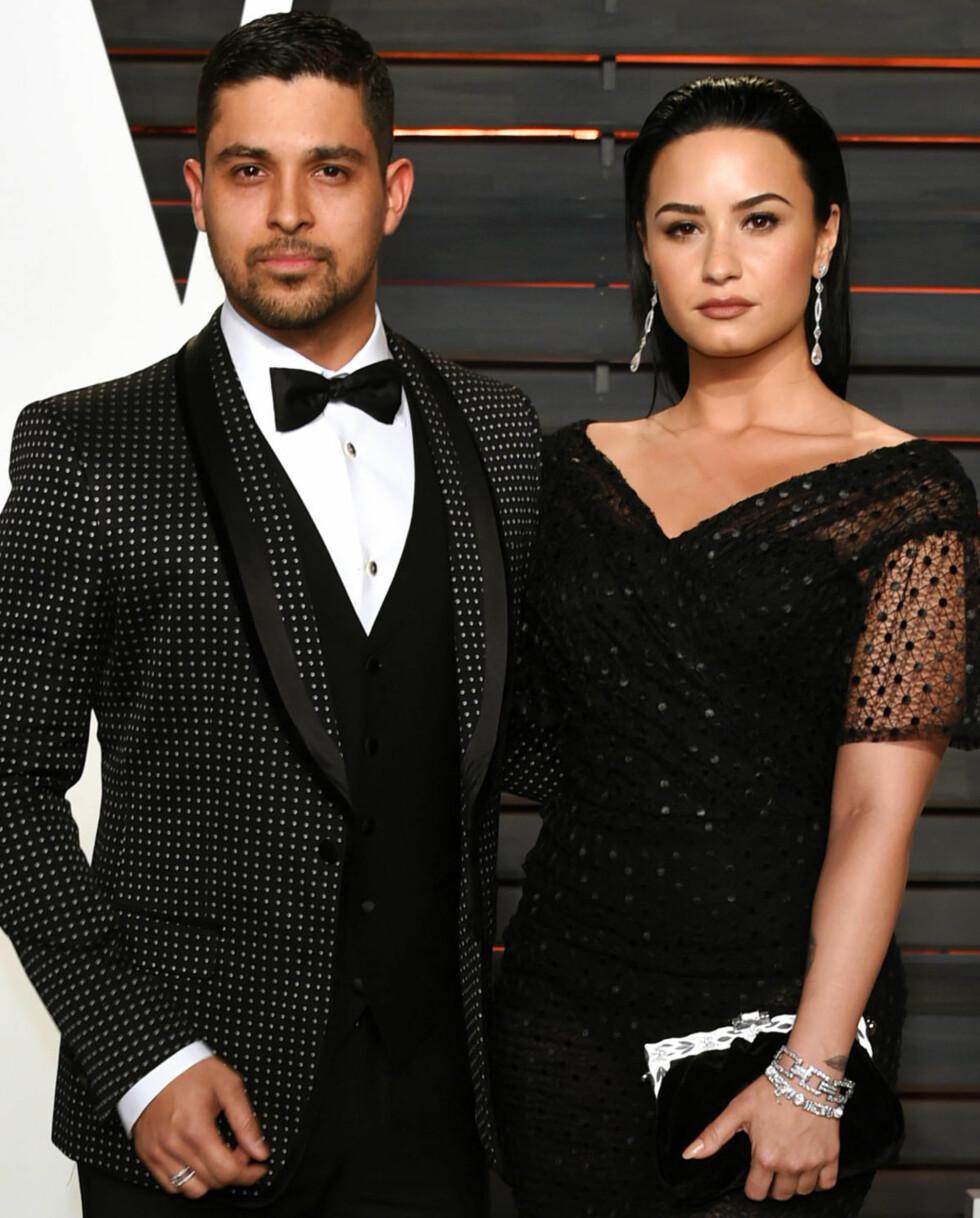BRUDD: Etter nesten seks år som kjærester annonserte skuespiller Wilmer Valderramaog sanger Demi Lovato i juni at de to hadde valgt å gå hvert til sitt.  Foto: NTB Scanpix