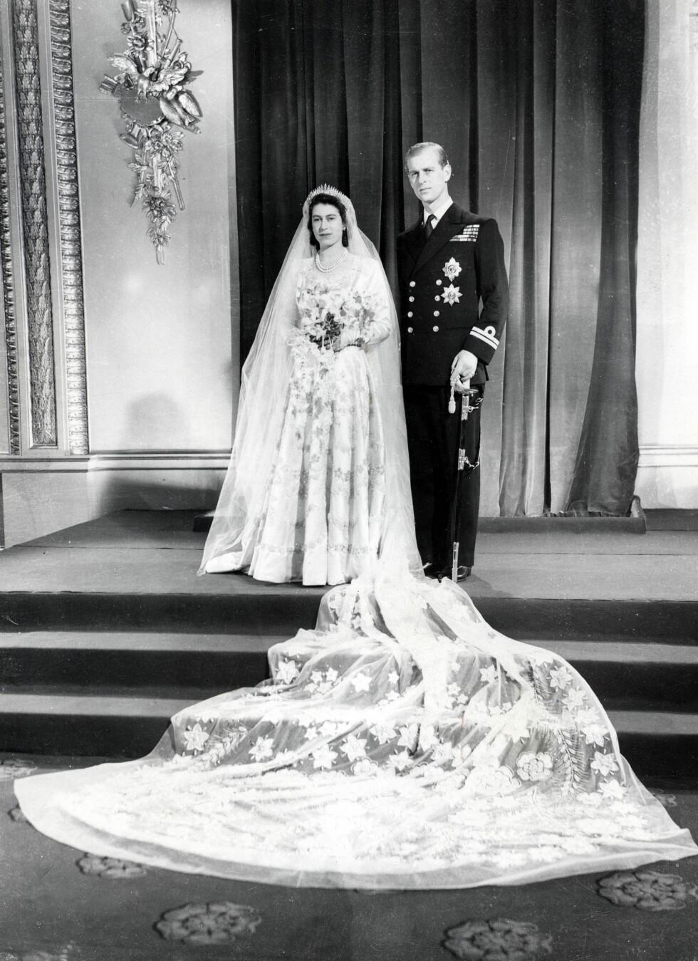 21 ÅR: Prinsesse Elizabeth Windsor var 21 år da hun giftet seg med løyntnant Philip Mountbatten - senere hertug av Edinburgh. Fem år var hun dronning.  Foto: NTB Scanpix