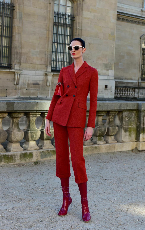 HELRØDT: Erin O'Connor poserer i sine røde lakksko.