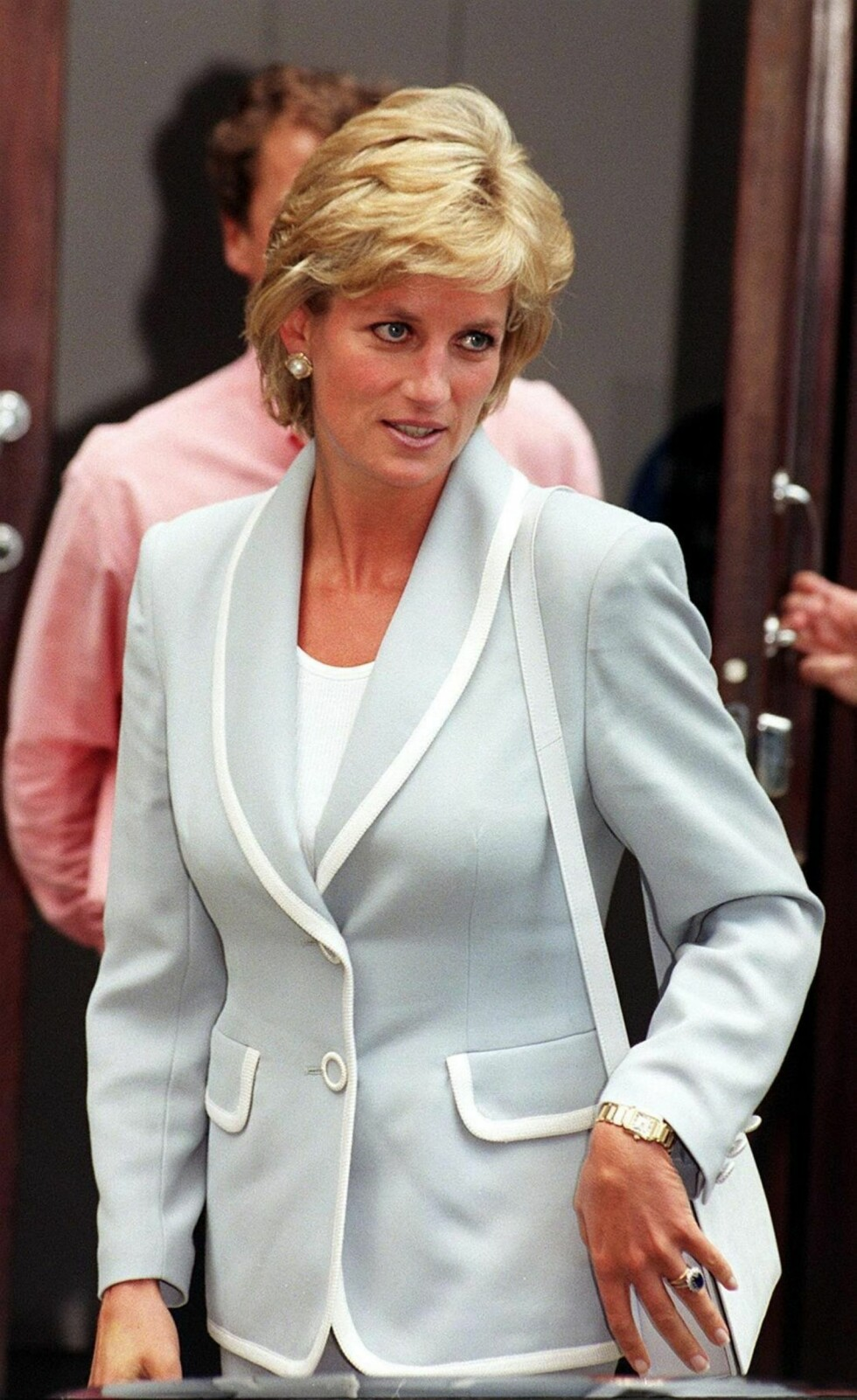 BABYBLÅTT: En farge vi ofte så prinsesse Diana i!