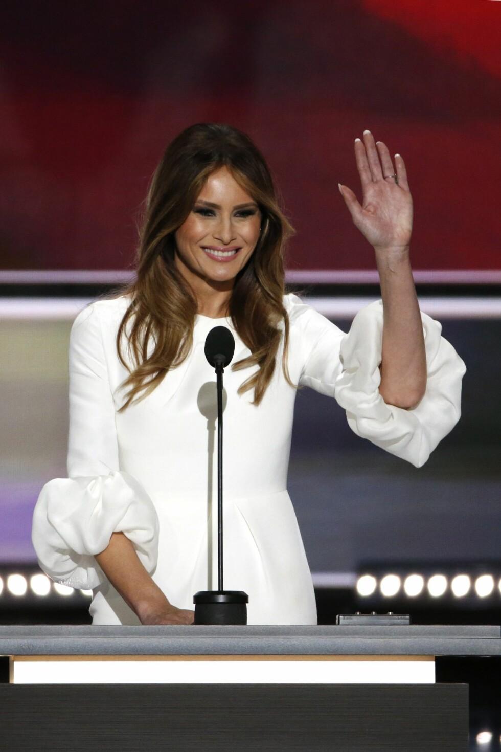 APPLAUS: Melania Trump mottar applaus under Republican National Convention i Cleveland, Ohio.