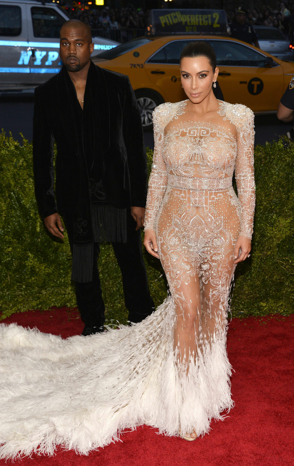 DETALJERT: Kim Kardashian og Kanye West under The Met Gala i 2015. Foto: NTB Scanpix