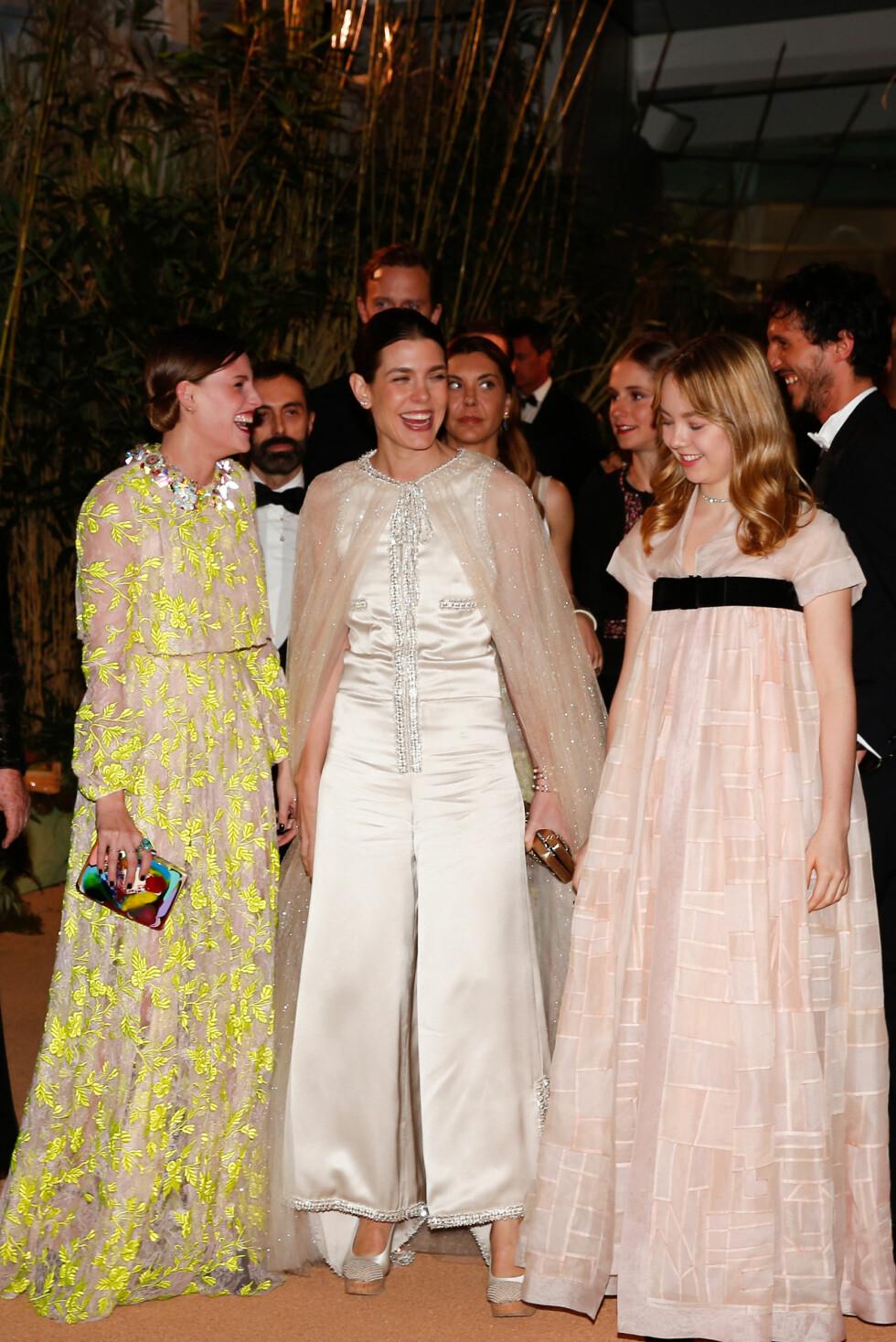 MORO: Det var god stemning å spore mellom Alexandra, storesøster Charlotte og deres venninne Juliette. Foto: NTB Scanpix