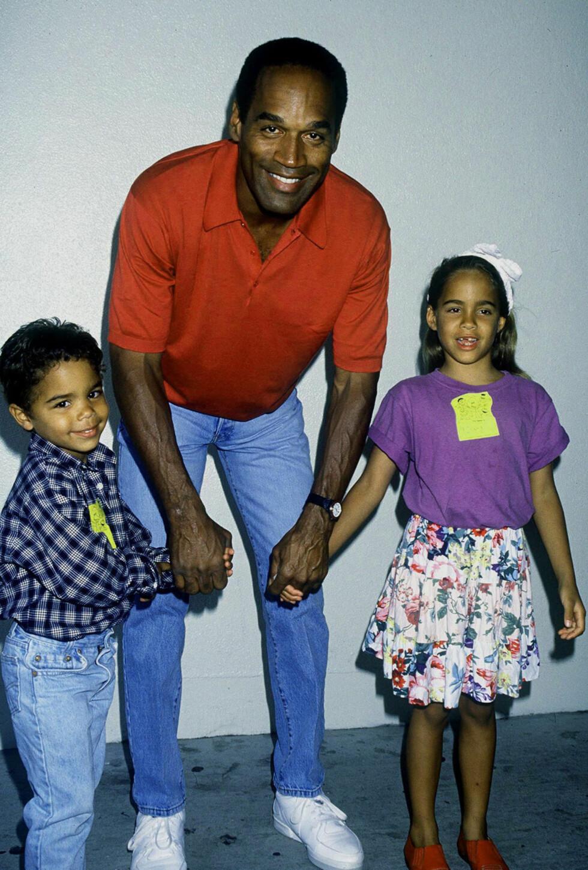FAMILIEFAR: I tillegg til barna Justin og Sydney har O.J. Simpson også barna Arnelle (født 1968), Jason (født 1970) og Aaren (født 1977), med ekskona Marguerite L. Whitley. Foto: NTB Scanpix