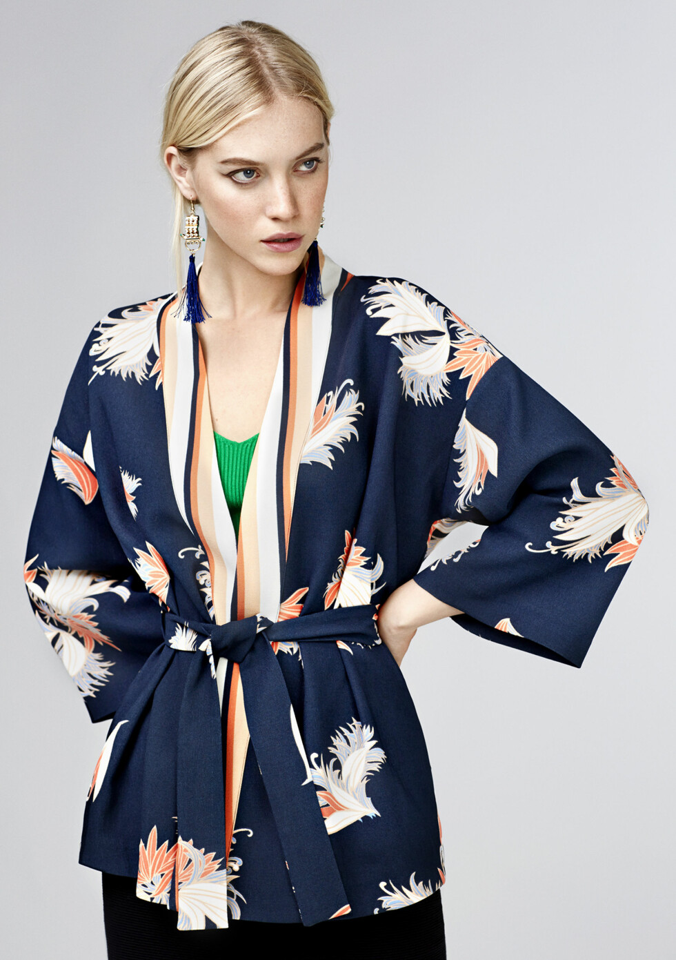 ASION FUSION: En av vårkolleksjonene til Bik Bok har fått dette navnet og ifølge designer Solveig Elton Jacobsen vil vi derfor se flere kimonoer og plagg med et rent snitt. Foto: Bik Bok