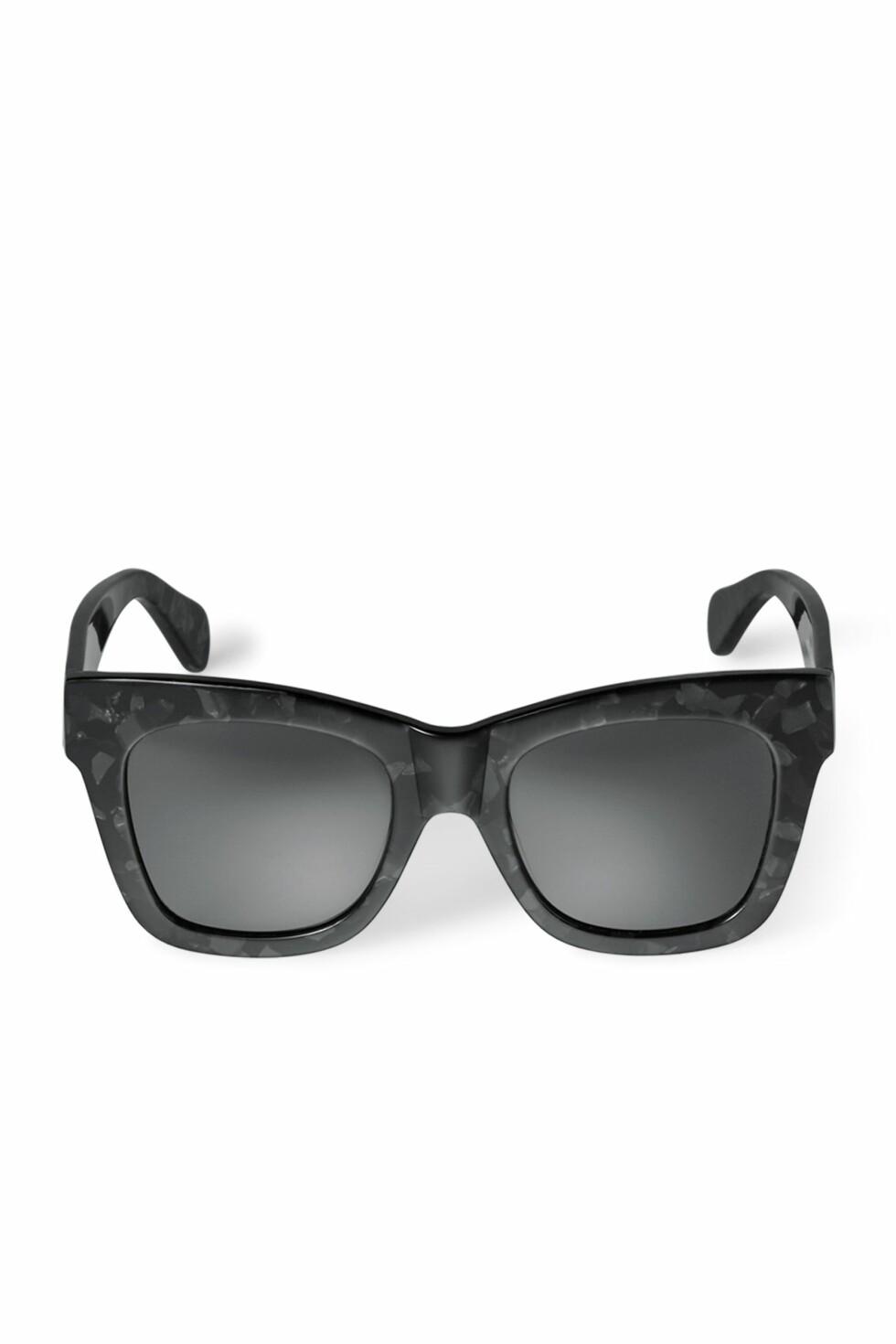 Solbriller fra Weekday   kr 350   http://shop.weekday.com/se/Womens_shop/Accessories/Sunglasses/Voyage_Acetate_Sunglasses/5131397-11115618.1#c-49929